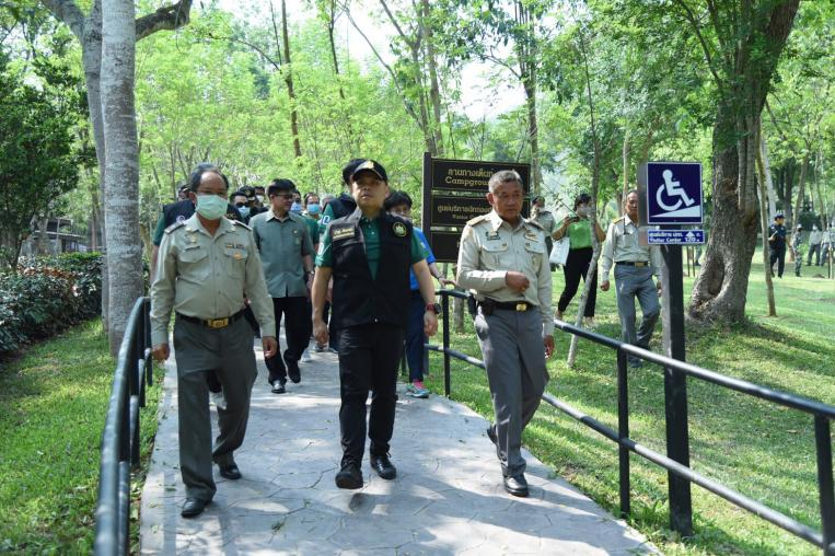 Warawut inspected Universal Design of Chet Sao Noi Waterfall with encouraging staffs