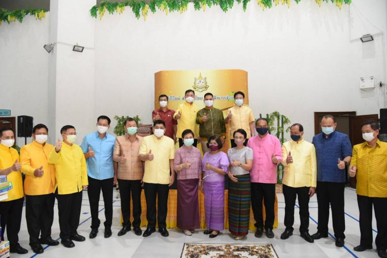 "MNRE organized the event ""New Way Wearing Thai Fabrics Taking Care Environment"""